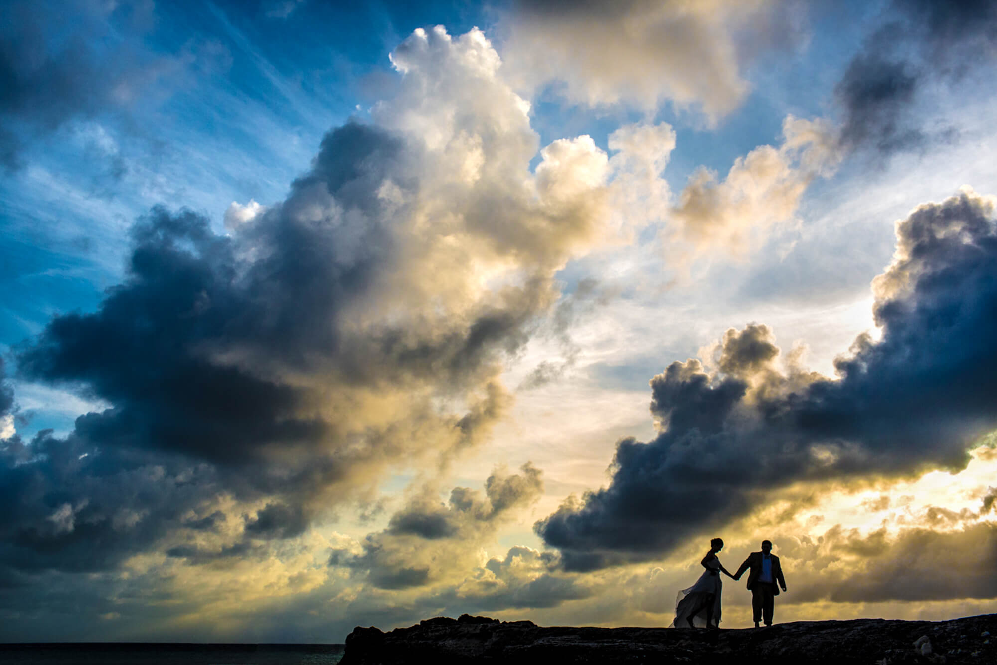 02-bride-and-groom-silhouette-sunset-bahamas.jpg