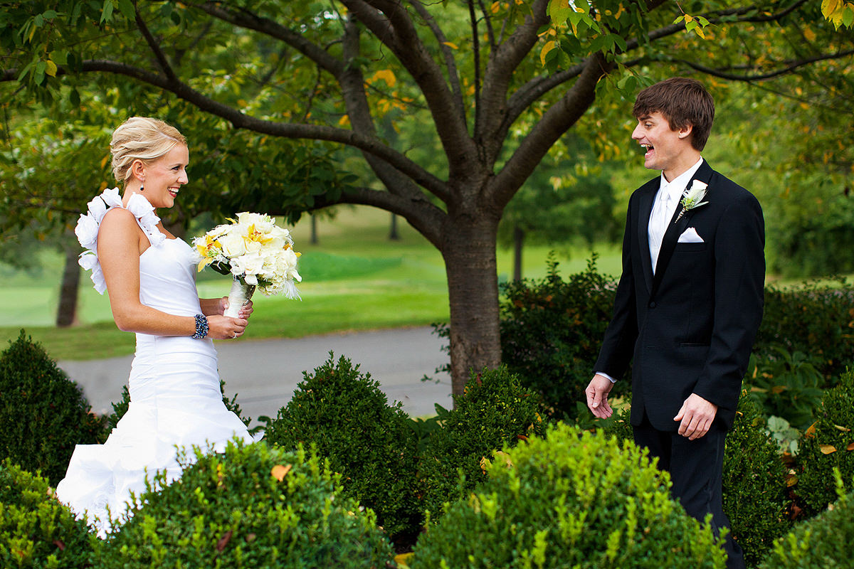 04-st-louis-wedding-bride-groom-first-look.jpg