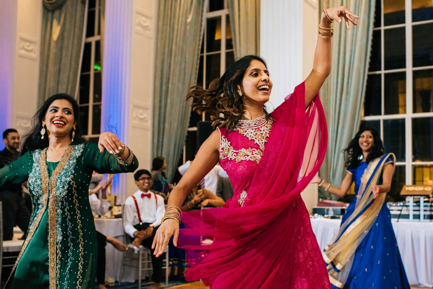 25-indian-wedding-marriot-grand-st-louis-mo-dancing.jpg