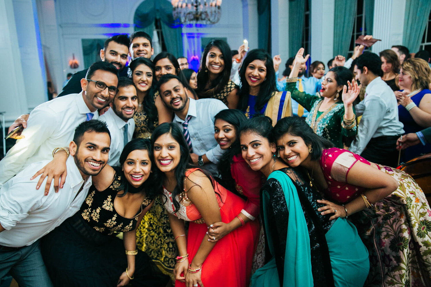 27-indian-wedding-marriot-grand-st-louis-mo-friends-group-photo.jpg