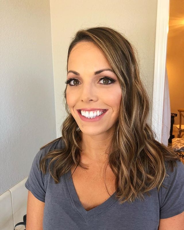 Today's bride! Congrats Hillary!  @cameeeeela on the hair 💁🏼. ________________________________________#makeup #makeupartist #mua #bridalmakeup #weddingseason #lealvineyards #promua #naturalglam #hairstylist #makeupandhair #weddingday #hollister #bayareamakeupartist #beautybym_ #fauxlipstick #ardelllashes