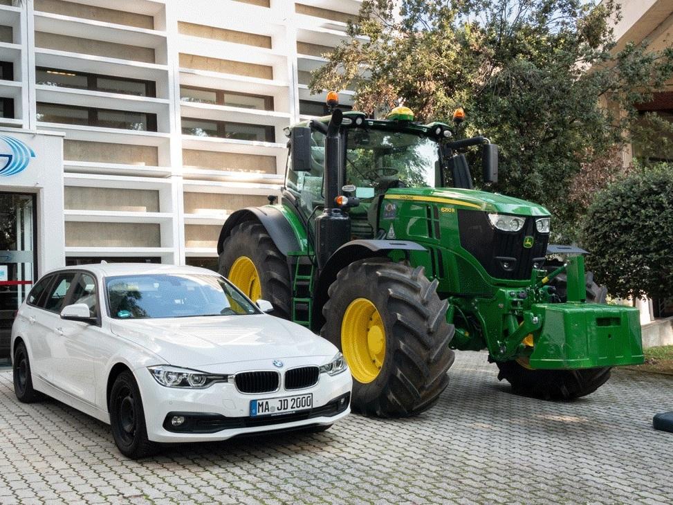 tractorcar.jpg.jpg
