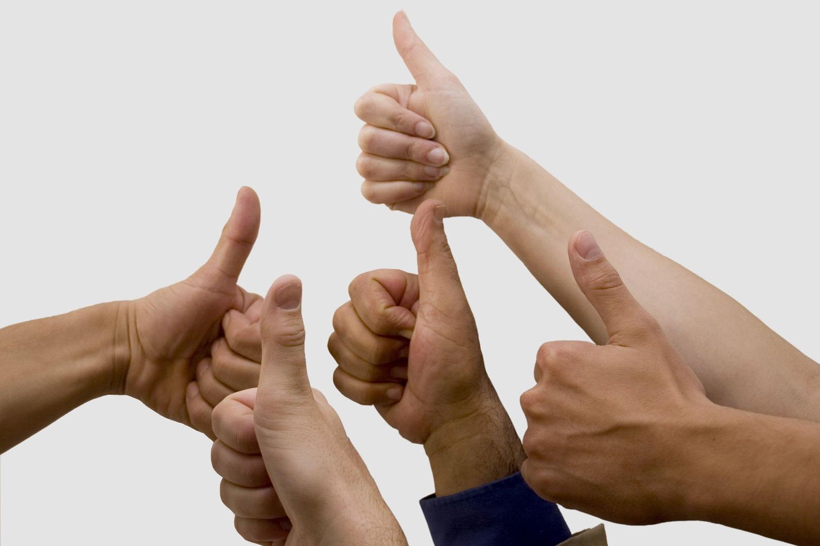 Angebot für Unternehmen - Arbeitszeit ist Lebenszeit und Lebenszeit ist Arbeitszeit. Grund genug, diese positiv zu gestalten.Glückskompetenz ist die Fähigkeit, glückliche Gefühle zu empfinden und emotional stabil zu bleiben, egal was das Arbeitsleben gerade zu bieten hat. Gesunde, positive Gefühle sind der beste Schutz gegen Druck, Stress und Krankheit, sowohl für jeden einzelnen als auch für das Team. Mehr noch, mit guten Gefühlen geht alles leichter und lockerer von der Hand, das Arbeitsleben fegt und macht Freude, an der wir andere teilhaben lassen.Wer mit guten Gefühlen aufsteht, der liegt bereits 2:0 in Führung!