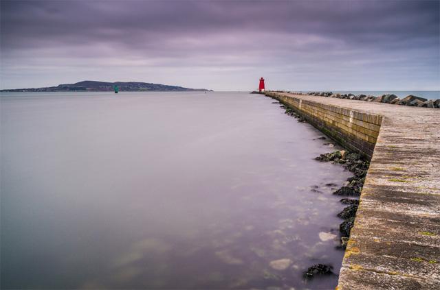 Poolbeg Light house in Dublin bay.jpg