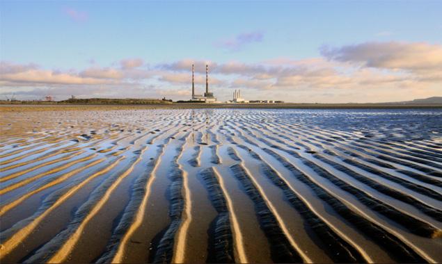 Sandymount strand in South Dublin.jpg