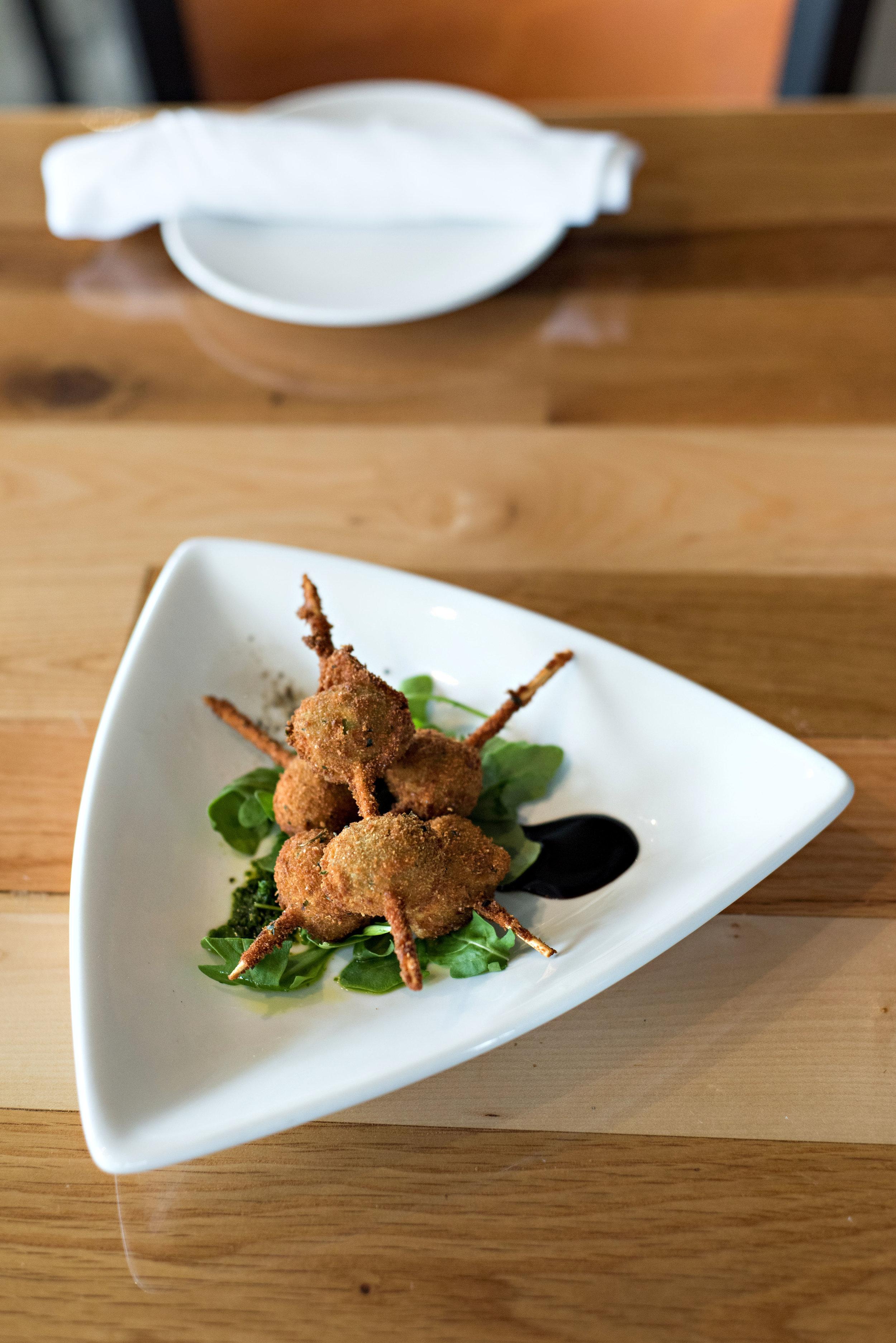 zeolis-restaurant-clawson-mi-karunaphoto-photo(3).jpg