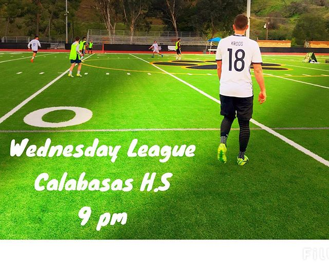 Who is ready for #humpday🍑 ? and nothing better than ending the day kicking a soccer ⚽️ ball. Join us tomorrow in Calabasas, for more info send us a DM.  Hope you all had a good fun productive day. #Goodnight . . . . #soccer  wait it's #Foodtball #championsleague #soccerskills #soccerbible #soccergirls #lasoccer #soccertime #soccerislife #soccergame #soccernews #losangeles #calabasas #champion #fitness #athlete #fun