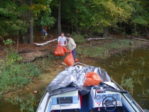 Loading boats (1024x768)