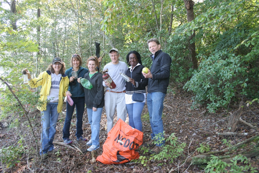 Photo 3- trash pickup by county leaders (1024x683)
