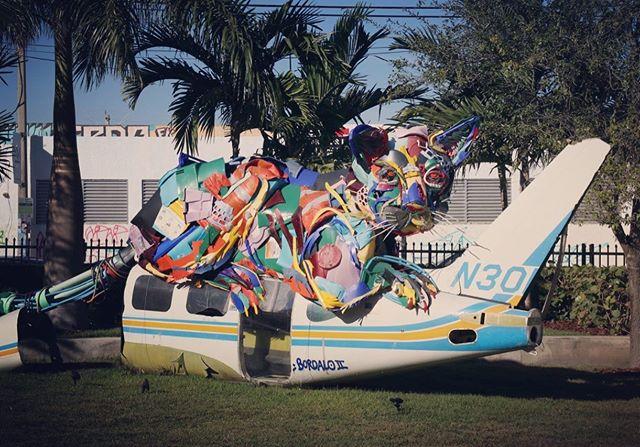 After cold New York, Miami was paradise: tasty food, warm wether and beautiful people.  Art: @will_hara  #usatravel #usatravels #usatraveler #travelusa #traveltheusa ##travelmyusa #travelingusa #miami #miamibeach #miamiheat #miamiflorida #miamilifestyle #downtownmiami #miamiliving #miamivibes #artmiami #miamilife #nomadlife
