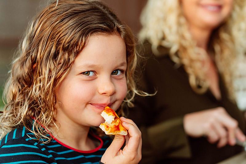 Kid-pizzs.jpg