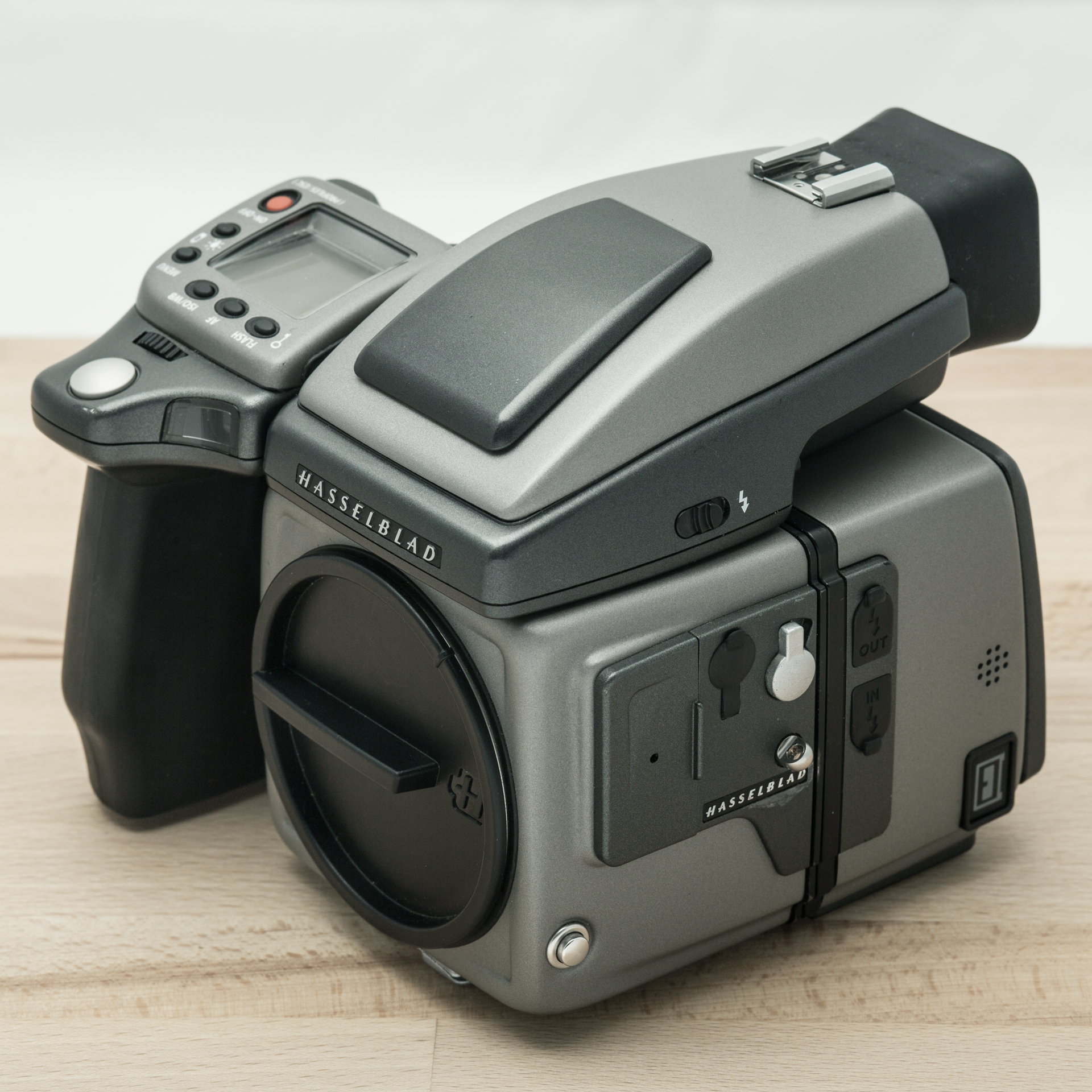 Hasselblad Digital Body H4D-40 + HVD-90x Viewfinder // 60.660 exposures