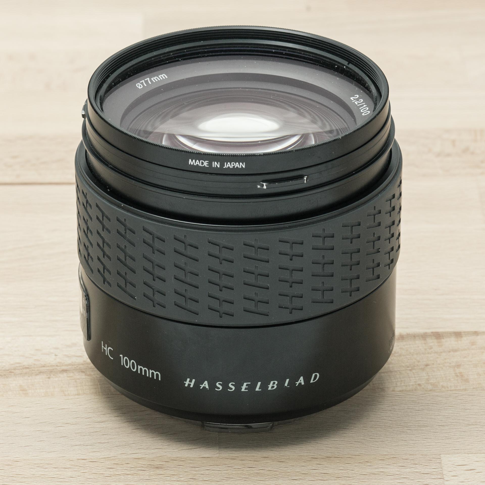 Hasselblad HC 100mm f/2.2 + Lens Shade + UV-Sky 77m // 11.915 exposures
