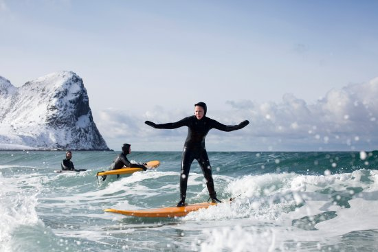Learn to Surf - Arctic surfing wtih Lofoten Surfsenter