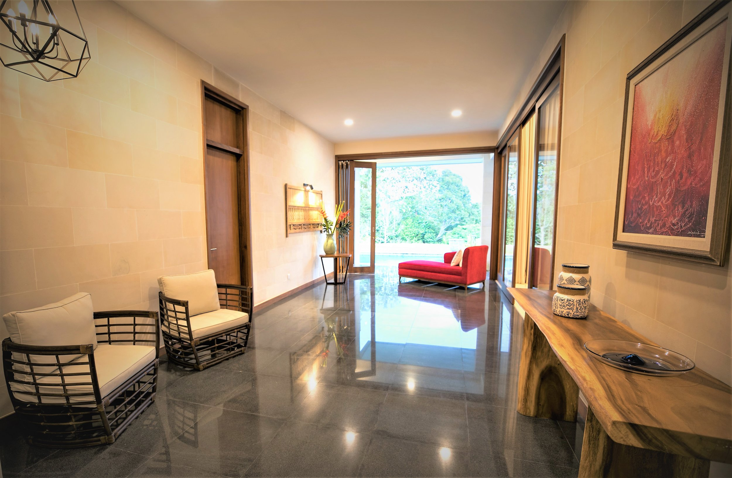 - entrance way @ villa kantan