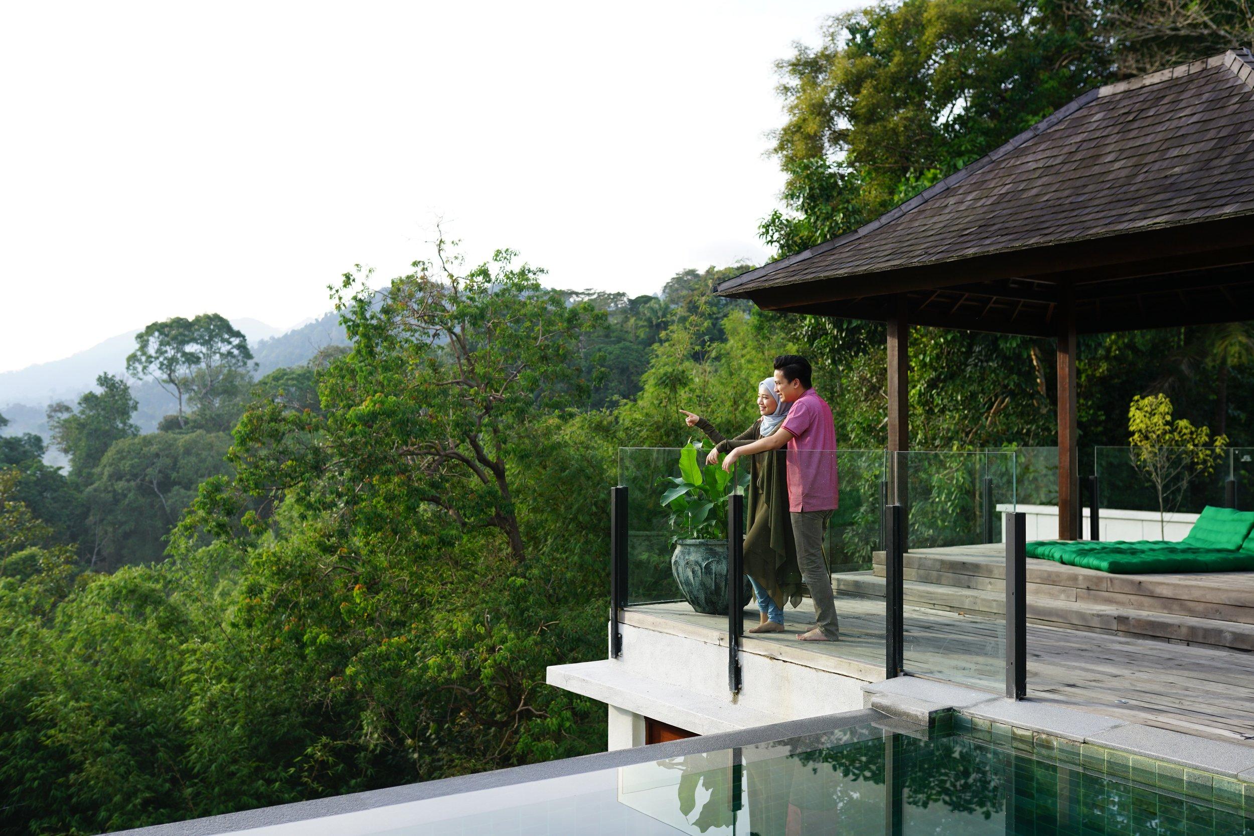 Couple at Selasih balcony.jpg