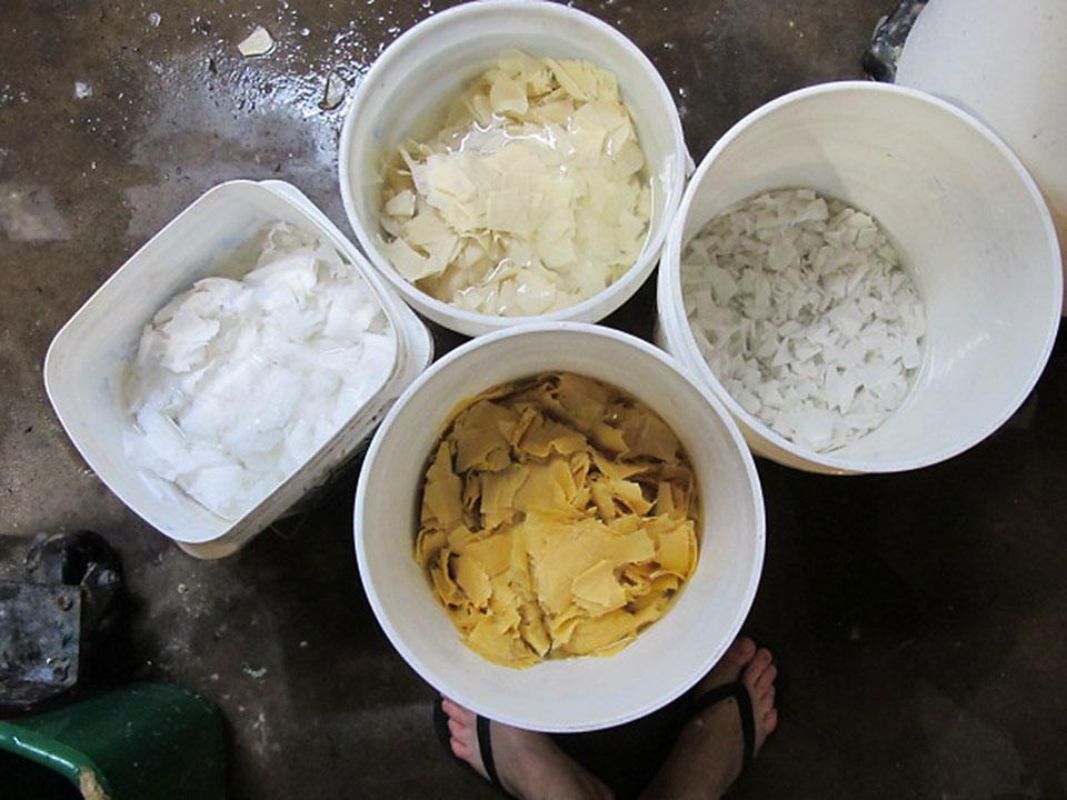 buckets-linen-fabric-for-pulp.jpg