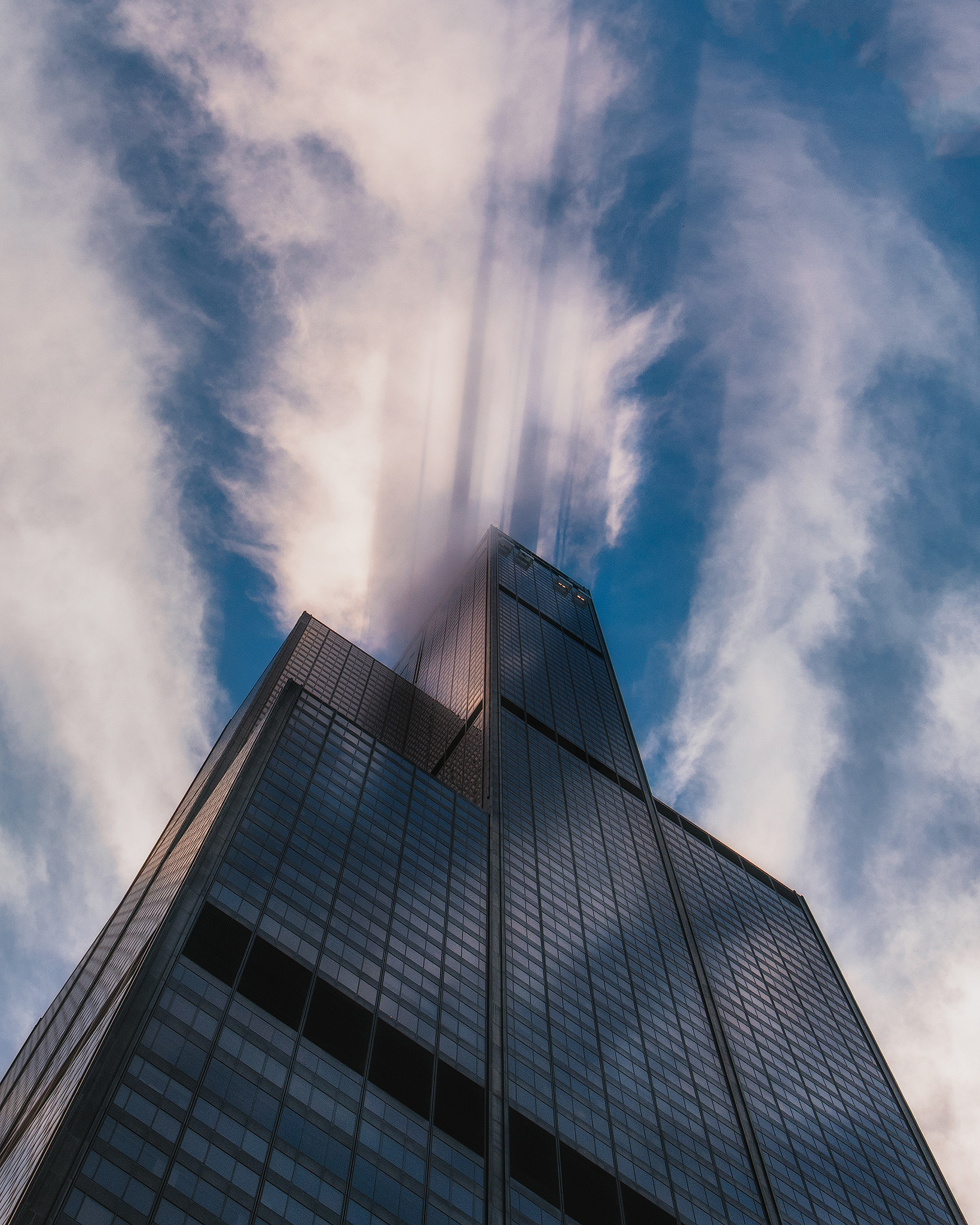 SkyDeck Chicago - Welcome to the LEDGE