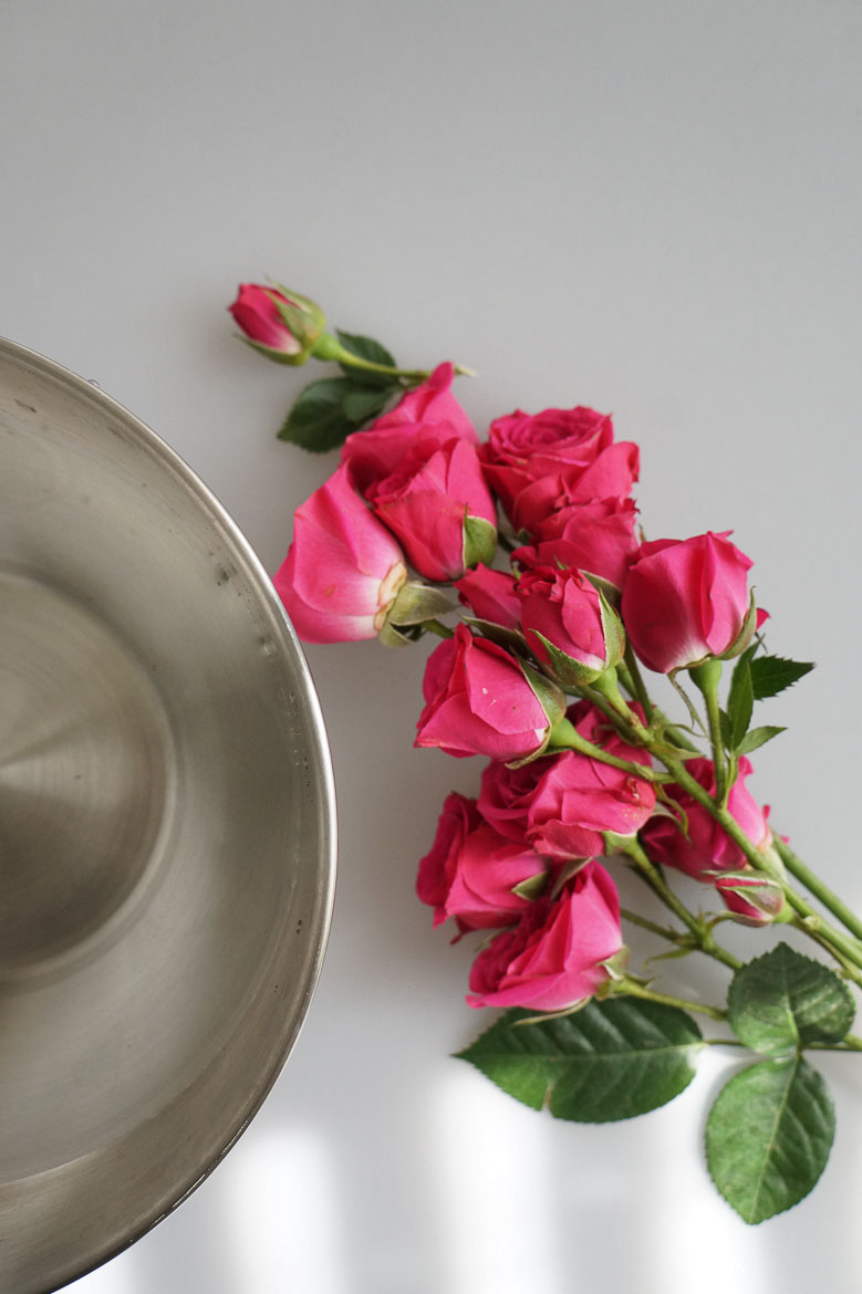 Andrea Fenise Memphis Lifestyle Blogger shares herbal self care bath with roses and mint