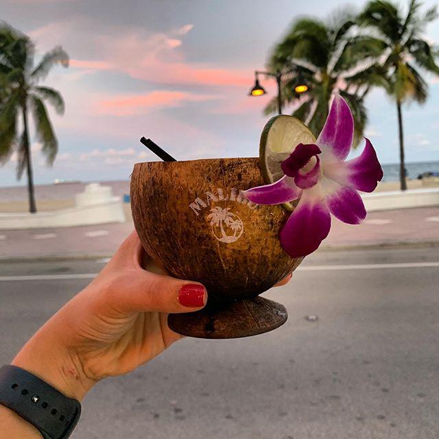 In a nutshell @maliburumus  #happyhour #fortlauderdalebeach #fortlauderdalefoodies #miami #cocktails