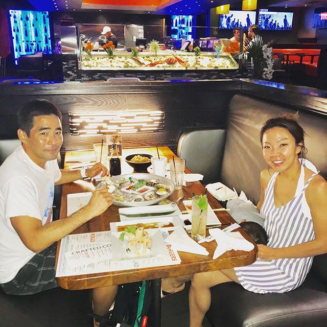 🍱Beautiful Family dinner 🍣🍤#tsukuroflb #fortlauderdalebeach #oyesterlover #sushilovers❤️ #familyphotography #familytime #asianfood #japanesefood
