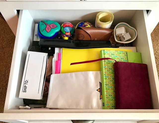 • ✨ • today is the perfect day for cleaning out the old junk drawer! • • here's a quick NeatLifeLA tip: we totally understand that a full clutter-reboot can seem overwhelming and stressful! • • By starting small, with one mini-zone at a time, you can give yourself a boost of confidence, comfort, and calm even when you don't have an entire day to reorganize the whole house! These mini-upkeeps totally help keep us sane, how about you?! • ✨🏠✨ • Looking for deeper serenity in your home space? Contact us TODAY for your FREE in-home consultation!! Link in bio. • • • • • • • • • • • • #sweetlife #neatlife #neatlifeLA #happylife #happyhome #losangeleshome #LAhome #declutter #organize #stressfreeLA #beverlyhills #westhollywood #hollywood #hollywoodhills #hollywoodhome #heretohelp #loveyourhome #junkdrawer #neat #tidy #tidyup