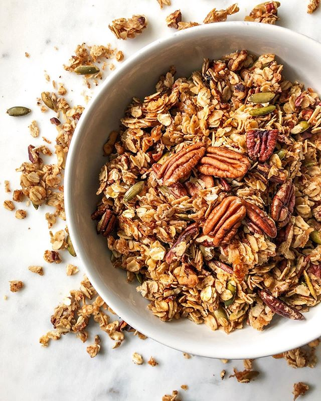 ATTN GRANOLA LOVERS: if you have never tried making your own granola, this is the recipe for you!  One bowl and 15 minutes of prep is all you need for this super simple, crazy good cinnamon maple pecan granola that is seriously satisfying to make.  Plus, every dreamy cluster is packed full of all-natural, antioxidant-rich, heart-healthy ingredients, so you can take on the day like a total boss 💪🏻💯 .  Recipe now live on busygirlbaking.com!