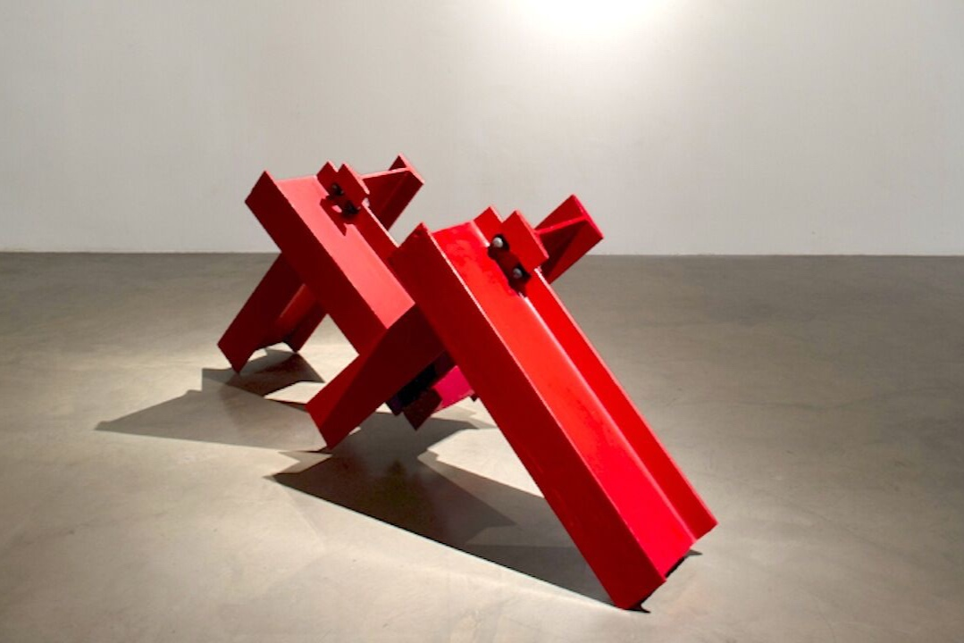Kenneth Capps  Fall , 1972 painted steel 21 x 62 x 28 in (53.3 x 157.5 x 71.1 cm)