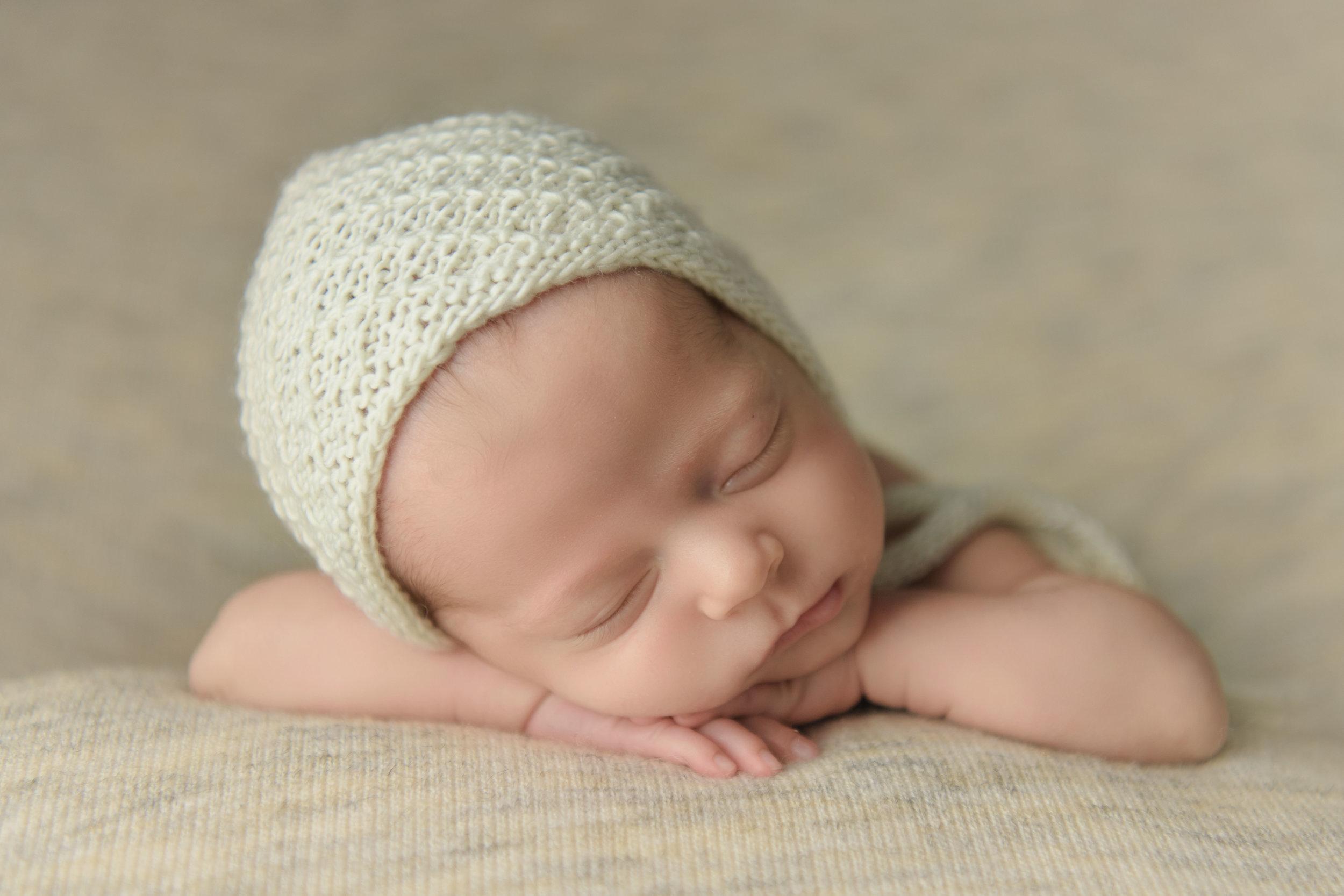 bonnet:  @maddiesdivinedesigns