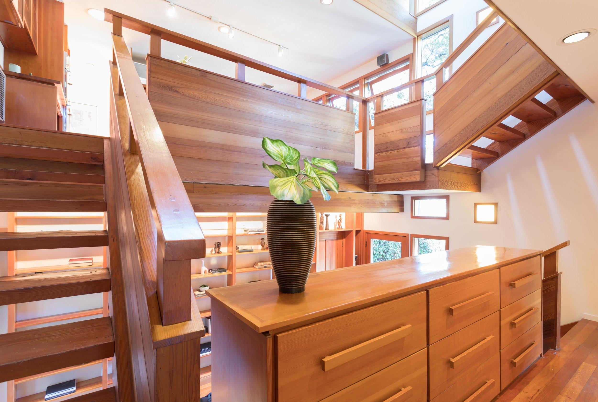 2353 Stanley Hills Dr - VirtuallyHereStudios.com-16.jpg