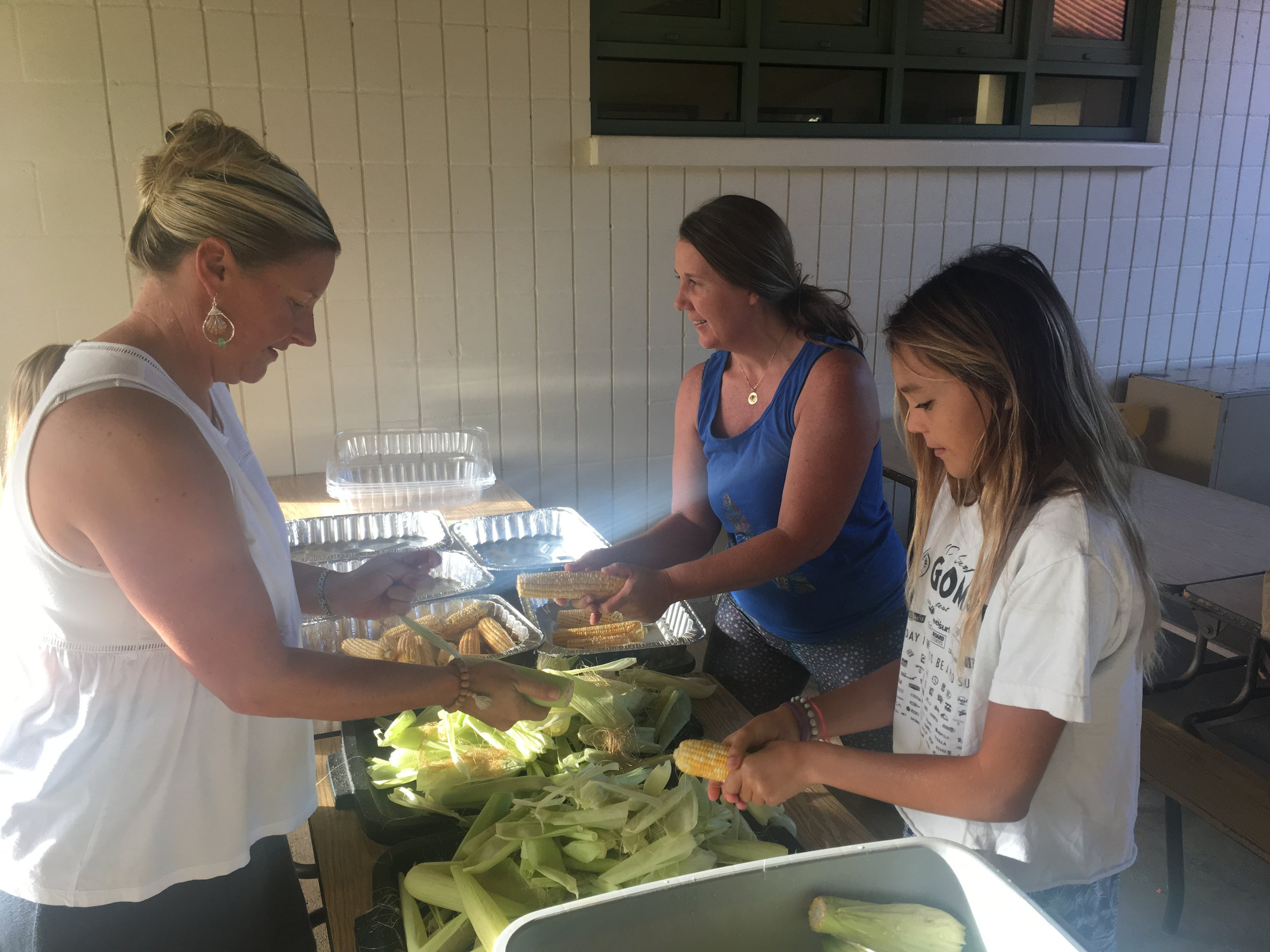 volunteer - Get involved with the community of Hanalei School Parents interested in making a difference. From helping with mailings, Fundraisers, Social Media etc… All help is most appreciated!