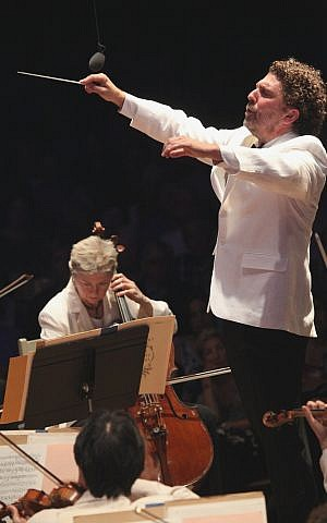 Ascher Fisch leads the Boston Symphony Orchestra in an all-Wagner program, July 21, 2012. (Hilary Scott)