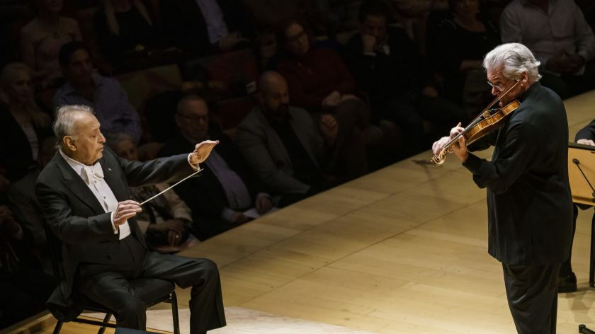 Zubin Mehta conducts the Los Angeles Philharmonic with Pinchas Zukerman on violin for Brahms' Violin Concerto in D major, Op. 77. (Marcus Yam / Los Angeles Times)