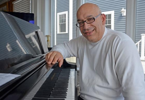 jay rowe - pianist + keyboardist