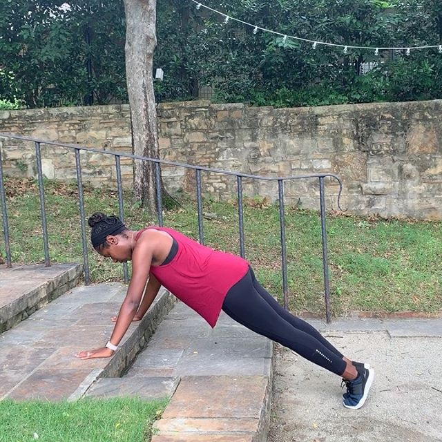 Check out my 🆕 Quick 5 Move Stair Workout! . 1�⃣ Push Ups (1m) . 2�⃣ Lunges (1m) . 3�⃣ Shuffle Squats (1m) . 4�⃣ Quick Steppin' (1m) . 5�⃣ Solo Tricep Dips 1m) . Repeat this circuit 4 times. . Want more quick that get straight to the point, comment below with your favorite workout emoji 💪� .  #startyourlife #getstarted #thesmallthings #momintofitness #fitmomma #fitmomsinspire #workwork #melaninfitness #melaninpopping #fitish #weightlossprogram #weightlossstruggle #sahmlife #militarymoms #simplesolutions #mombloggers #quickworkout #mamaneedscoffee #momswithmuscles #momswhoworkout #momsthatlift #fitfoods #mommyproblems #mommymakeover #mommys #iwantit #challange #flattummy #workingwomen #workingonmyfitness