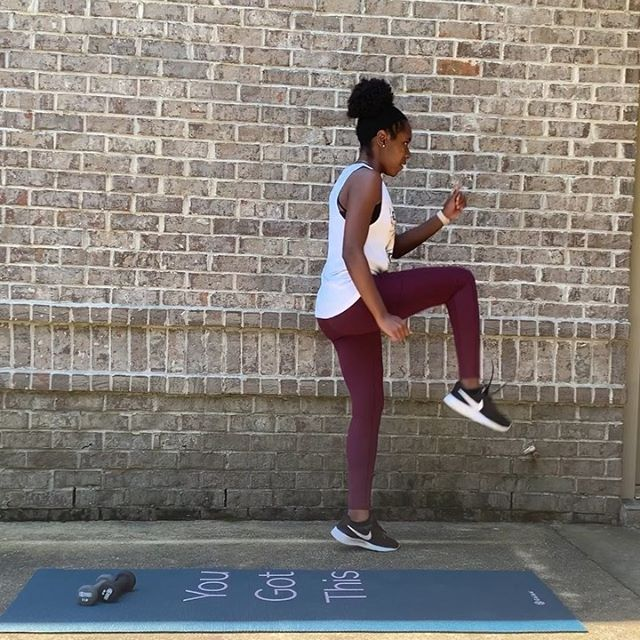 Get moving with this 5️⃣ Move Quick Power & Play Workout. ⠀ .⠀ 1️⃣ Plyo Jumps (alt. legs) (1m)⠀ .⠀ 2️⃣ Squat + Dumbbell Punches (1m)⠀ .⠀ 3️⃣ Lunge + Weighted Arm Raises (1m)⠀ .⠀ 4️⃣ Long Jump (forwards + backwards) (1m)⠀ .⠀ 5️⃣ Plank + Knee Taps 1m)⠀ .⠀ Repeat this circuit 4 times.⠀ .⠀ Get outside, grab some Vitamin D, and start getting fit. All it takes is a spark of ambition, and believing in your POWER. ⠀ .⠀ Comment below ONE goal you want to accomplish today 🦄💫⠀ .⠀ #quickandeasy #momswhoworkout #momswithmuscles #momsohard #fitmomsinspire #fitmomlife #outdoorlifestyle #sahmlife #workingmoms #workingwomen #summerfeels #summertimes #schoolsoutforsummer #postpartumweightloss #prenatal #melaninpopping #blackmomsblog #mommymakeover #mommyduties #womenwithambition #ineedcoffee #ineedsleep #yummymummy #flattummy #playhardworkhard #fitnessgirlsmotivation #fitnessvideos #momsthatlift #workoutideas #workouttips ⠀