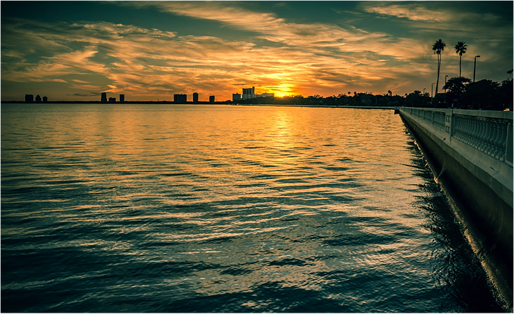 Sunset over Tampa Bay, on the eastern edge of Gulf of Mexico. Photo: Rita Steyn @ritasteyn