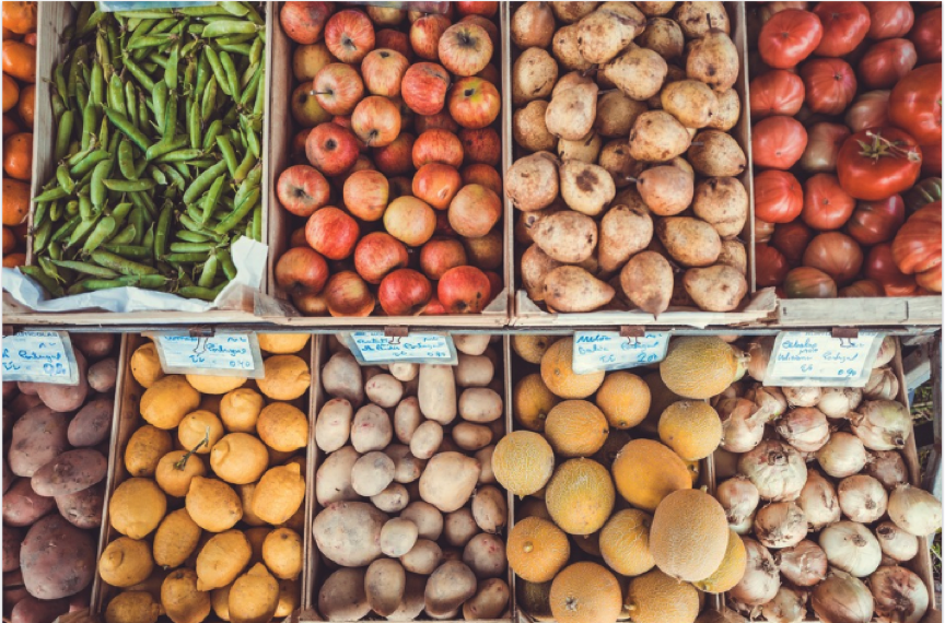 Loose fruit, veg, grains, nuts (you name it) from supermarkets, greengrocers or market stalls is the way to go. Photo: Pixabay.