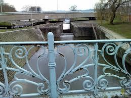 Ecluse et Petit Pont des Vennes.jpg
