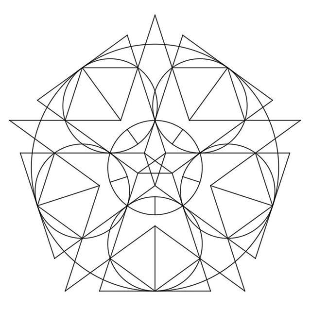 October 23, 2018  Dedicated to @edwardeinhorn & @corneliaw110  #geometricdrawing #geometry #geometryart #digitalart #digitaldrawing #drawing #abstract #abstractart #abstractdrawing #desenho #desenhogeometrico #geometria #artedigital #desenhodigital #math #matematica #abstractgeometric #devartshare #geometrychaos #sacredgeometrytattoo #onlyblackart #patternworkerssub