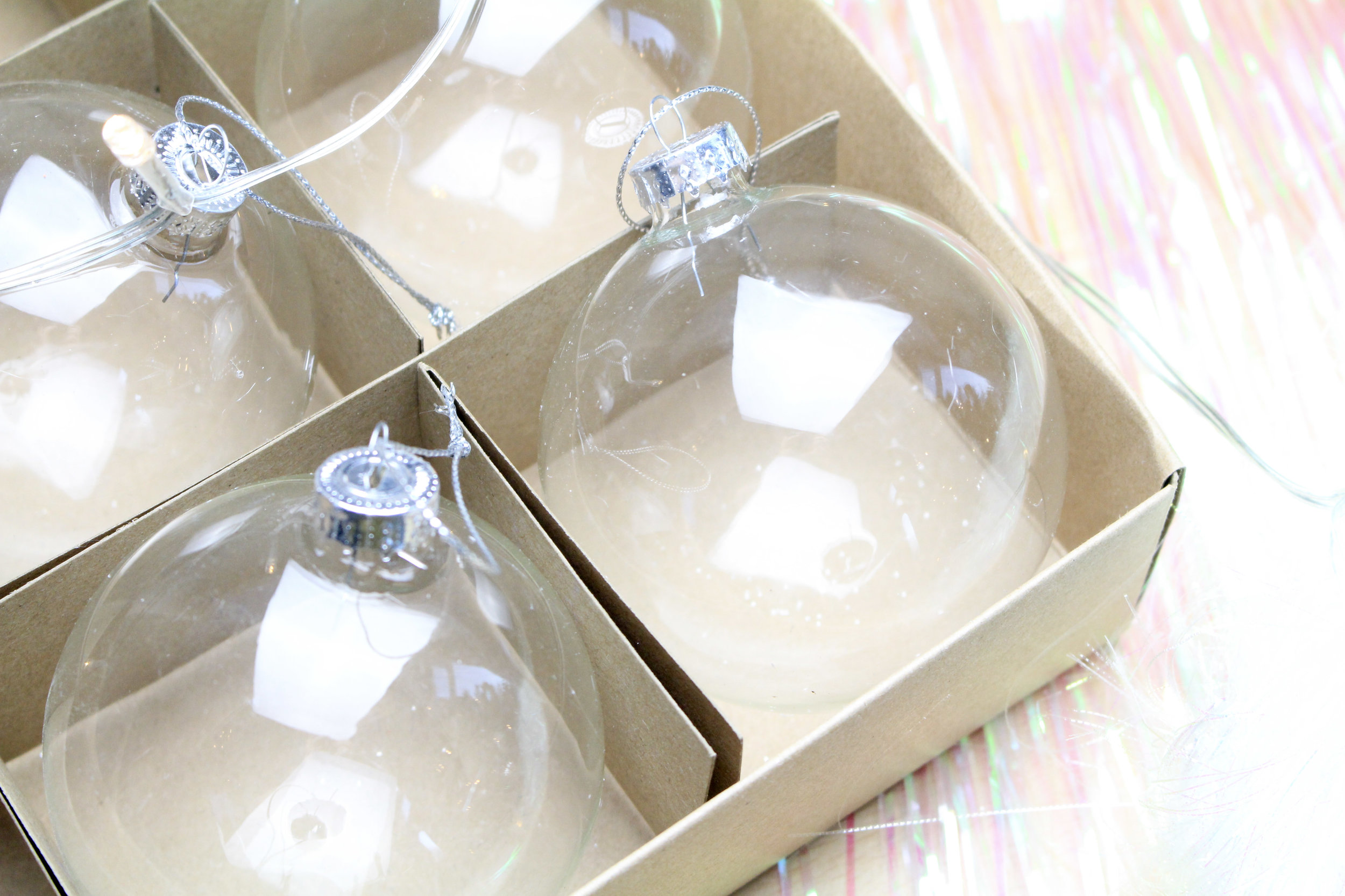 How to Make your Own Christmas Baubles