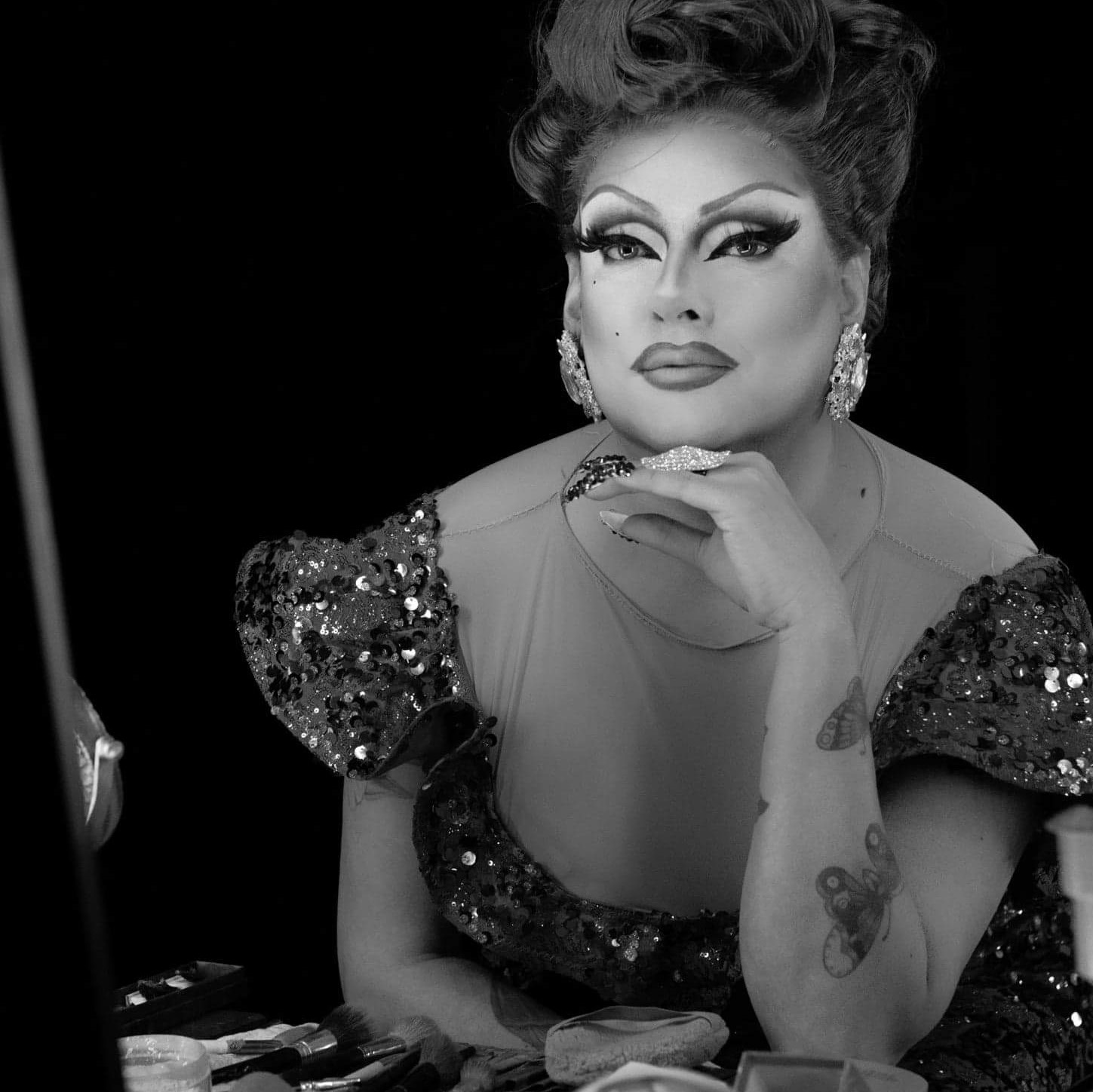 Syren Halston - Syren Halston is the alter ego of Jacob Aguirre, a trained singer and dancer who has been performing in drag for the past 15 years. He is excited to be back, and part of the Fant-A-She's family once again.