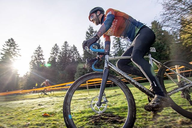 Team rider @startupblake on his way to a podium finish at last weekend's season closer. Queens CX!
