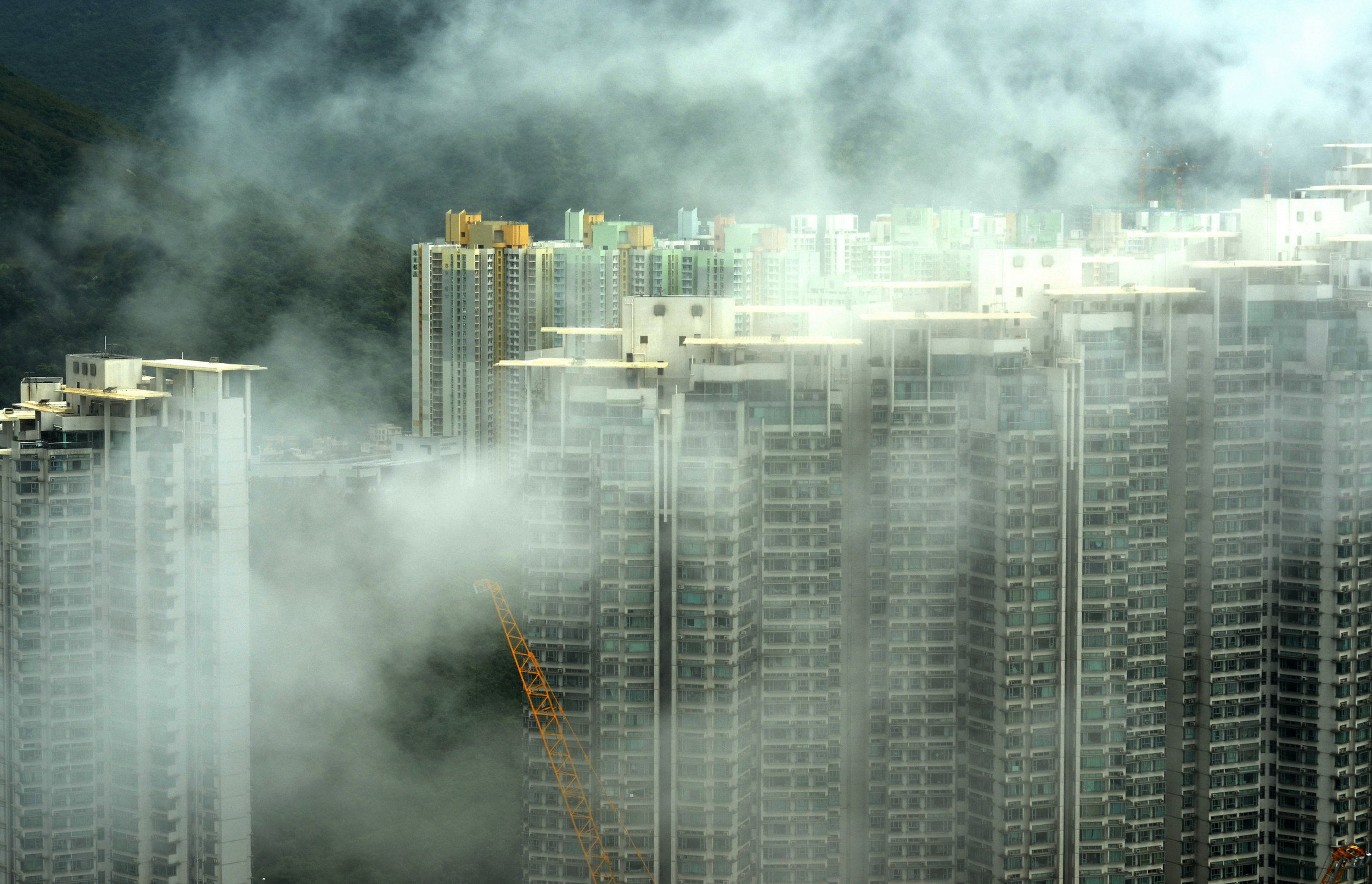 Poor air quality is common in many urban zones in China, which as a nation accounts for a third of all greenhouse gas emissions on Earth, posing a threat to human health. Photo credit: Pop and Zebra