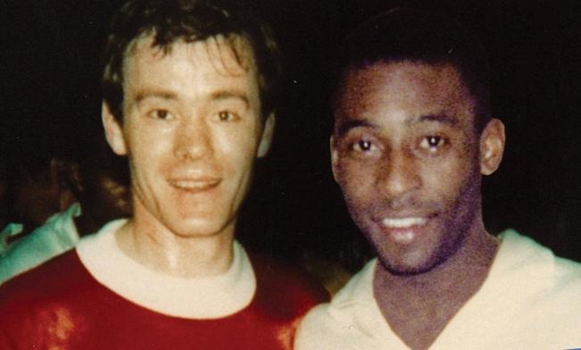 15. Juni 1968 - 1968 spielte der FCZ gegen den brasilianischen Serienmeister Santos. Mit dabei: Der Weltstar Pelé, der mit seiner Mannschaft vor dem Spiel unser Geschäft besuchte – und der seit dem vielleicht noch immer eine Uhr von Bourquin am Handgelenk trägt.