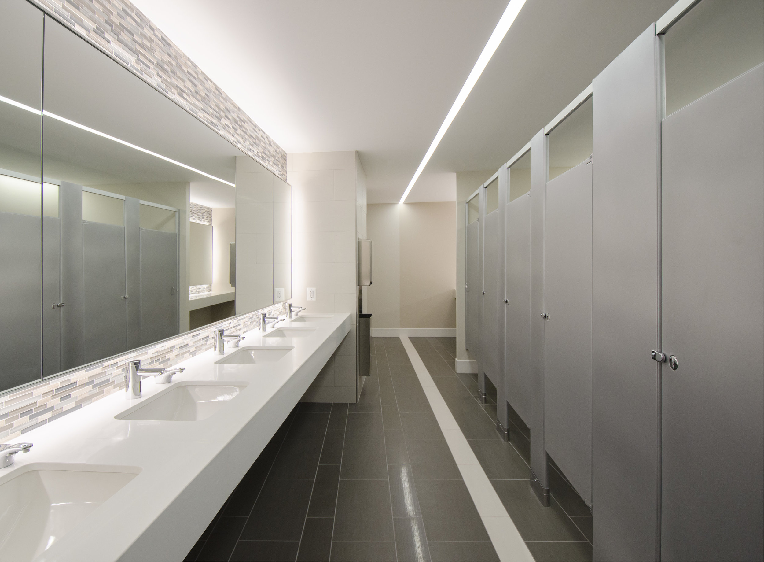 commercial-bathroom32.jpg