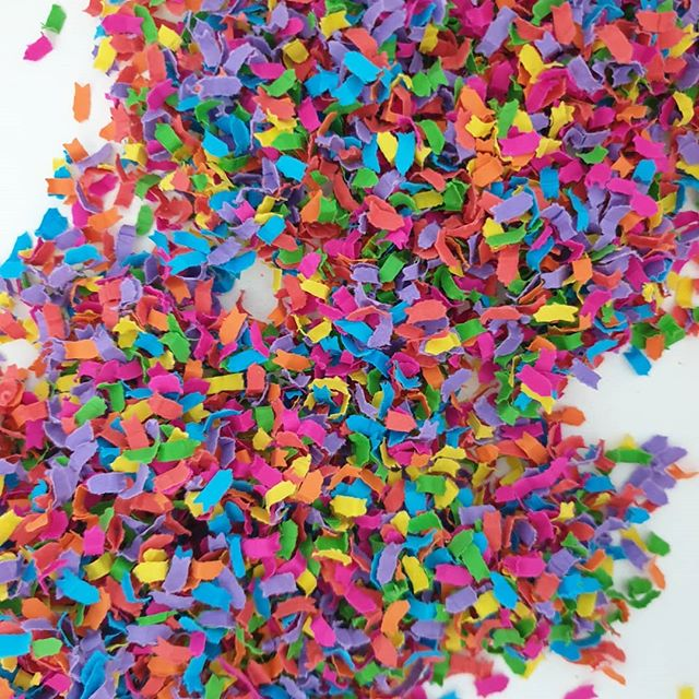 CONFETTI 🎉 Trialing some @dustconfetti in some of my gift boxes over the next few days! The colours are amazing 😍 I love to make my boxes colourful and this confetti is just SO pretty 🌈They can even make custom shapes and heaps of different colours for your special occasion. Want some?! Get some at @dustconfetti