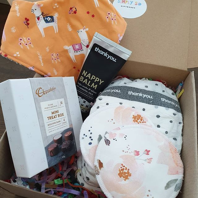 Packed & delivered this gorgeous gift box for a new mumma today 👶🥰 feeling all those newborn feels ❤ . . . Featuring a super cute Llama bib by @amybabycreations and nursing pads by @missmaestudio