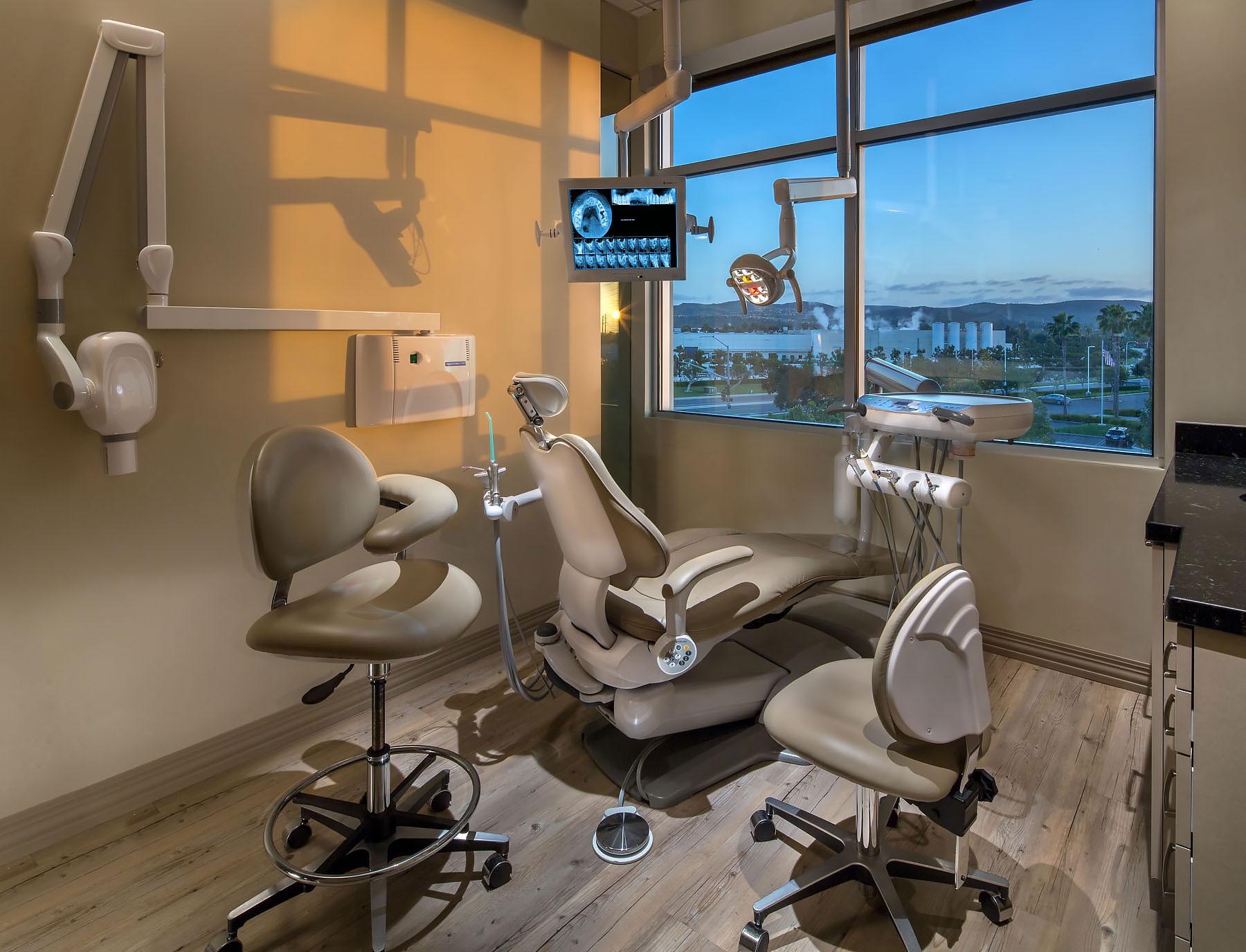 Dr.-Ariaee-Dentistry-3.jpg