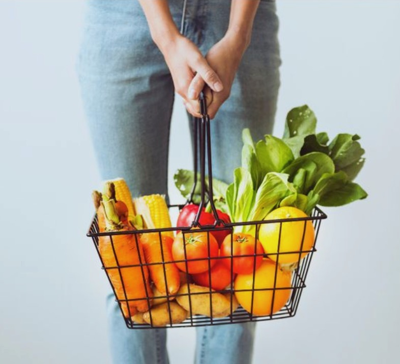 You CAN afford to eathealthy; 3 tips to budget for healthy eating.jpg
